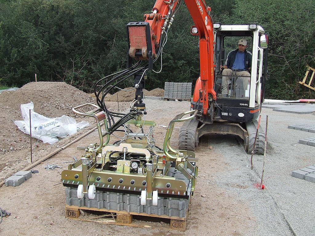Sistem de prindere pentru camine si tuburi conice SVZ-uni