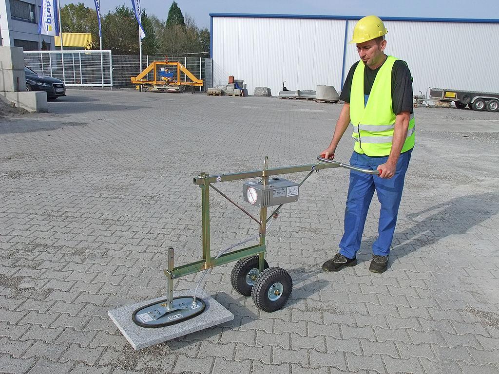 Dispozitiv cu vacuum pe roti pentru montaj dale VPH - RS