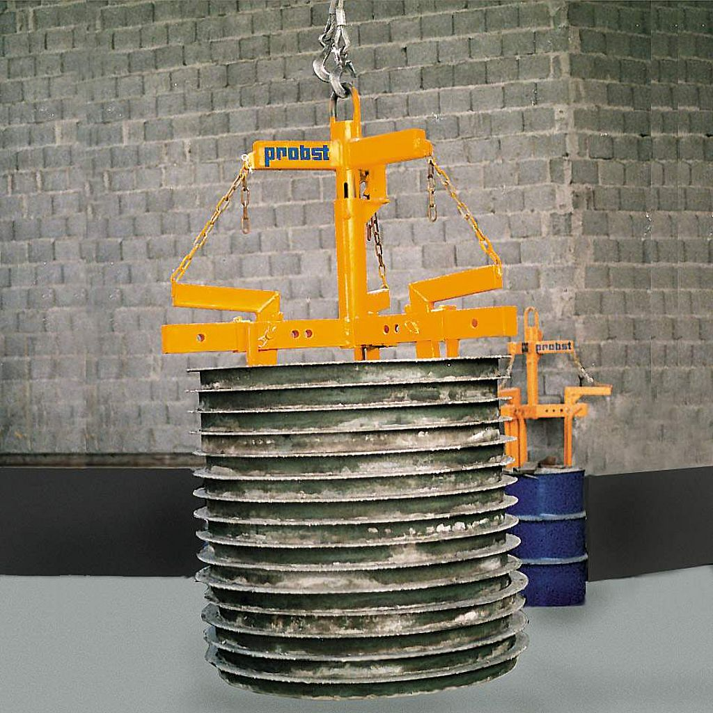 Dispozitiv de prindere pentru cofraje metalice UMG