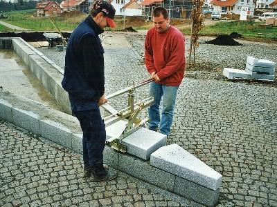 Montaj dale de piatra/beton