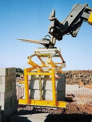 Transport blocuri de piatra / elemente beton